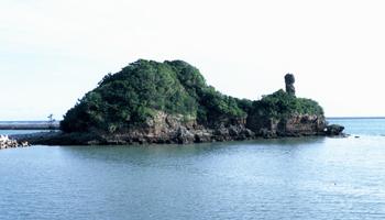 久米島町 ガラサー山 知仁御嶽 チジンウタキ 観光案内