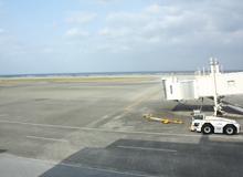 久米島空港ボーディングブリッジ
